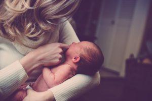 Помощь малышу при запоре